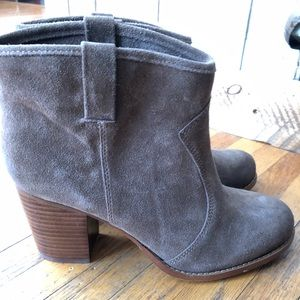 Booties with a heal by Splendid 9.5 women's